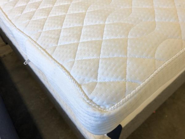Topmadras med Minipocket fjedre - 90 x 200 cm. Føj et ekstra lag af fjedre til din seng.